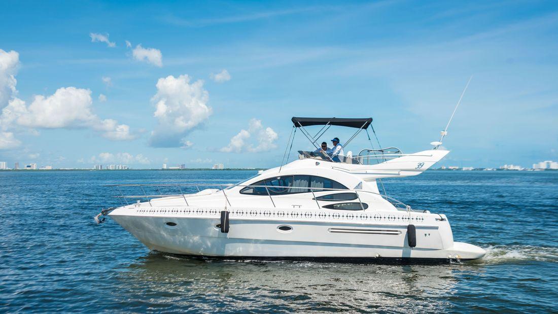sandra-marie-private-yacht_1100x619