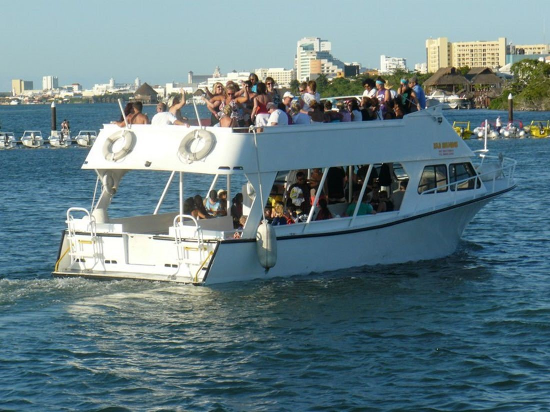 What activities can be done on a rented boat?